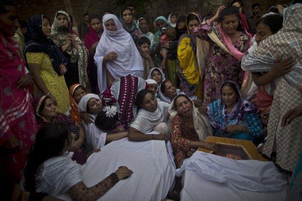 peshawar_church-attacked41